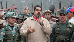 President Nicolas Maduro håller tal i ett militärt träningsläger i delstaten Vargas i Venezuela den 21 maj 2016.