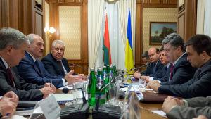 Vitrysslands Aleksandr Lukasjenko mötte Ukrainas Petro Porosjenko i Kiev några dagar innan förhandlingarna i Minsk började.
