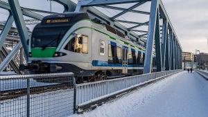 Närtåg
