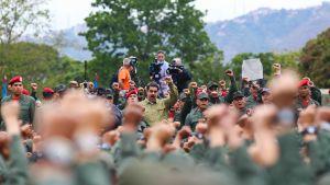 Maduro talade till soldater i Caracas onsdagen 30.1.