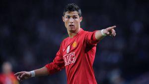 Manchester Uniteds ledning hoppas att Cristiano Ronaldo igen ska dra på sig den röda tröjan.