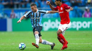 FC Barcelona har värvat brasilianen Arthur.
