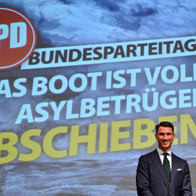 Frank Franz, NPD:s ordförande under partiets partikongress 21.11.2015.