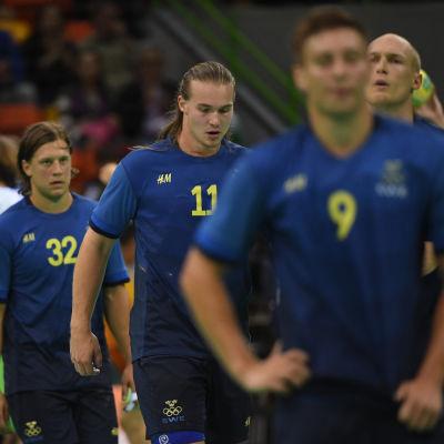 Svenskar deppar efter förlusten mot Slovenien.