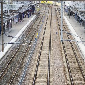 Tomma järnvägsspår