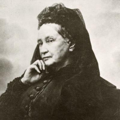 Emilie Flygare-Carlén, foto: J. Jaeger, 1878. Finns på Albert Bonniers förlagsarkiv.