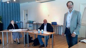 Företagsläkaren Ove Näsman drar personalkurs