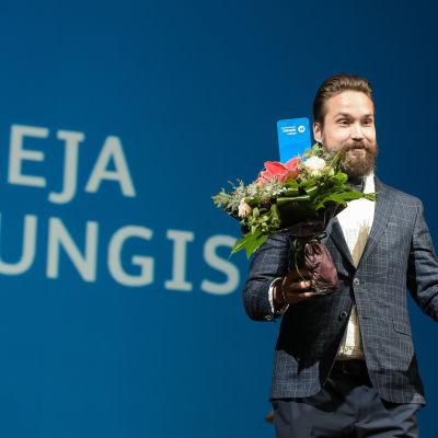 Finlandiapriset i skönlitteratur år 2016 tilldelades Jukka Viikilä