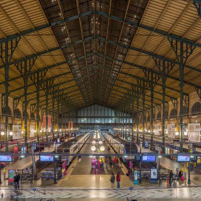Vy från järnvägsstationen Gare du Nord i Paris.