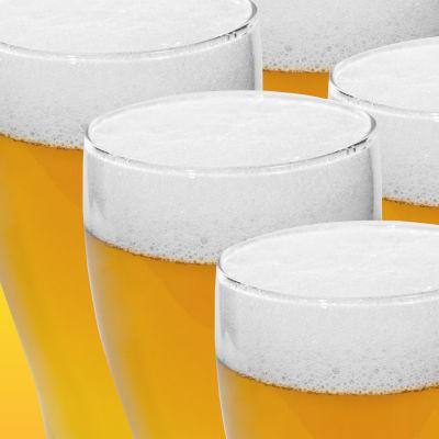 Flera glas med öl i