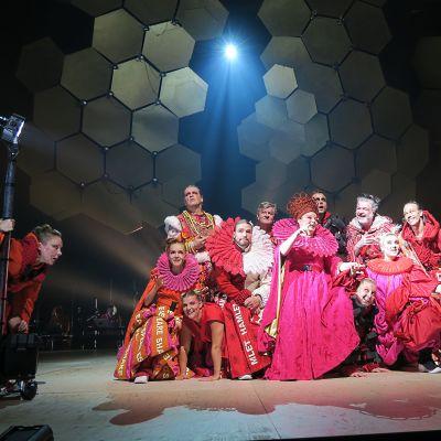 Hamlet rock-musikaalin esitys Tampereen Työväen Teatterin suurella näyttämöllä