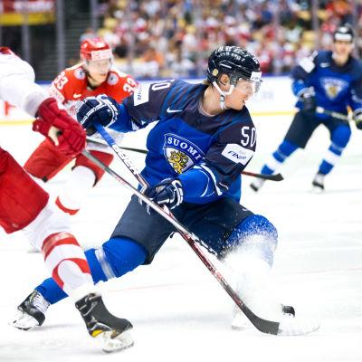 Juuso Riikola i matchen mot Danmark.