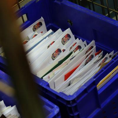 Julkort på postsorteringscentralen i Böle.