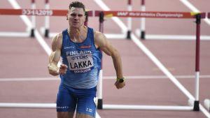 Elmo Lakka löper i VM.