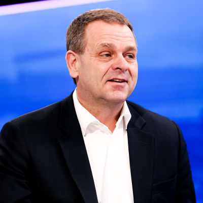 Helsingfors borgmästare Jan Vapaavuori i Yles Morgonettan den 20 mars 2021.