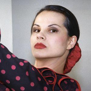 Näyttelijä Niina Nurminen Ilman kavaluutta -tv-sarjassa (1996).