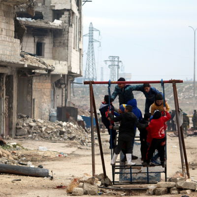 Barn lekte i stadsdelen Salah al-Din i östra Aleppo 16.12.2017