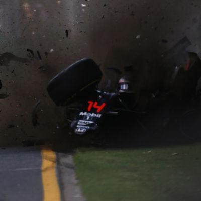 Fernando Alonsos krasch, Australiens GP, 20.3.2016.