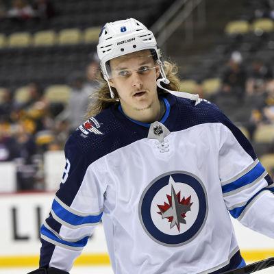 I början av oktober fick Sami Niku spela en NHL-match mot Pittsburgh.