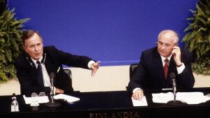 George Bush och Michail Gorbchev i Helsingfors 1990.
