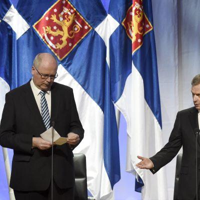 Riksdagens talman Eero Heinäluoma och president Sauli Niinistö i samband med riksdagens avslutning i Finlandiahuset