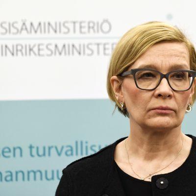 Inrikesminister Paula Risikko höll presskonferens efter terrorattentatet Stockholm den 7 april 2017.