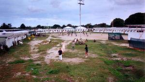 Flyktingläger på ön Nauru 2003.