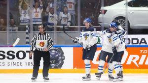 Patrik Laine firar mål, Finland-Vitryssland, VM 2016.