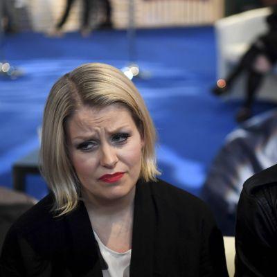 Duon Norma John, det vill säga Leena Tirronen och Lasse Piirainen.