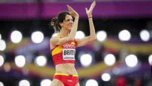 Ruth Beitia applåderar