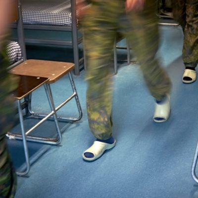 Suomen puolustusvoimien alokaskoulutus Santahaminassa.