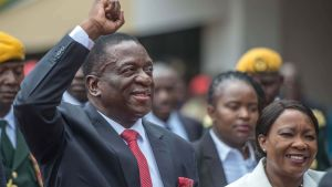 Zimbabwes nye president Emmerson Mnangagwa under installationsceremonin på nationalstadion i Harare den 24 november.