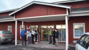Anne Möller (andra från vänster) och hennes personal ser fram emot att flytta in i nya utrymmen i Pickala.