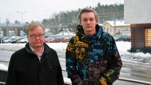 Krister Stenroos och Sebastian Bäckström vid Axxell i Karis.