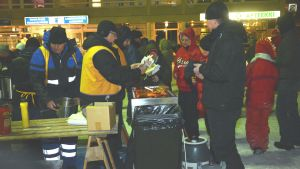 Korvförsäljning på torget i Ekenäs.