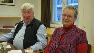 Berndt Gottberg och Lena Selén har översatt Okänd soldat till svenska för teaterscenen