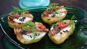 Portion med stekta potatis och hussyrsa.