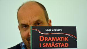 Sture Lindholm.