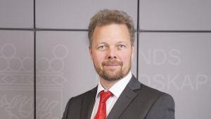 Minister Mika Nordberg.