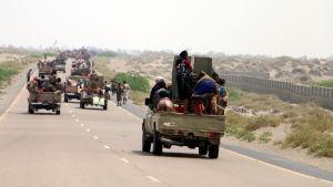 Framryckande saudiledda styrkor är nu endast 20 kilometer från Hodeidah