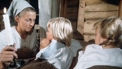 Stillbild från serien Stormskärs Maja.