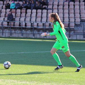 Åland Uniteds målvakt Anna Tamminen i bortamatchen mot HJK våren 2018.