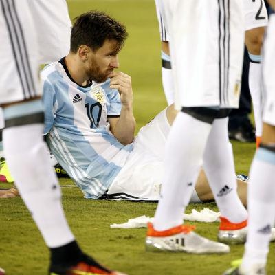 Messi surar efter finalförlusten i Copa America.