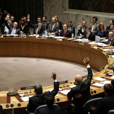 FN:s säkerhetsråd röstar om resolutionen för att sanktionera handel med IS.