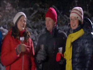Anne , Johan och Camilla skålar in det nya året