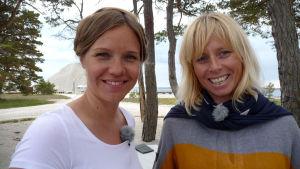 Sonja och Ulrika Karlsson på Gotland