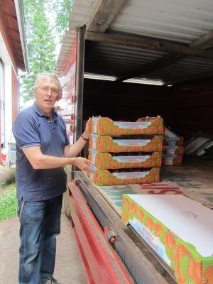 Björn Österman tror att jordgubbssäsongen kommer att vara över innan mitten av juli.