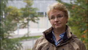 Pia Vennerström vid Evira säger att det finns fiskodlare som inte vaccinerar fisken.