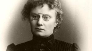 Alma Söderhjelm var historiker och Finlands första kvinnliga professor.