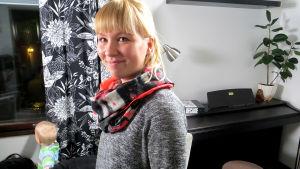Vantaalainen ala-asteen luokanopettaja Anni Jansson tunnustautuu siivoushulluksi. Kotona pieni lapsi ja kaksi koiraa pitävät huolen siivoustarpeesta.